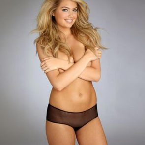 09-Kate-Upton-Sexy-Boobs-Lingerie