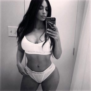 11-Kim-Kardashian-Topless-Sexy