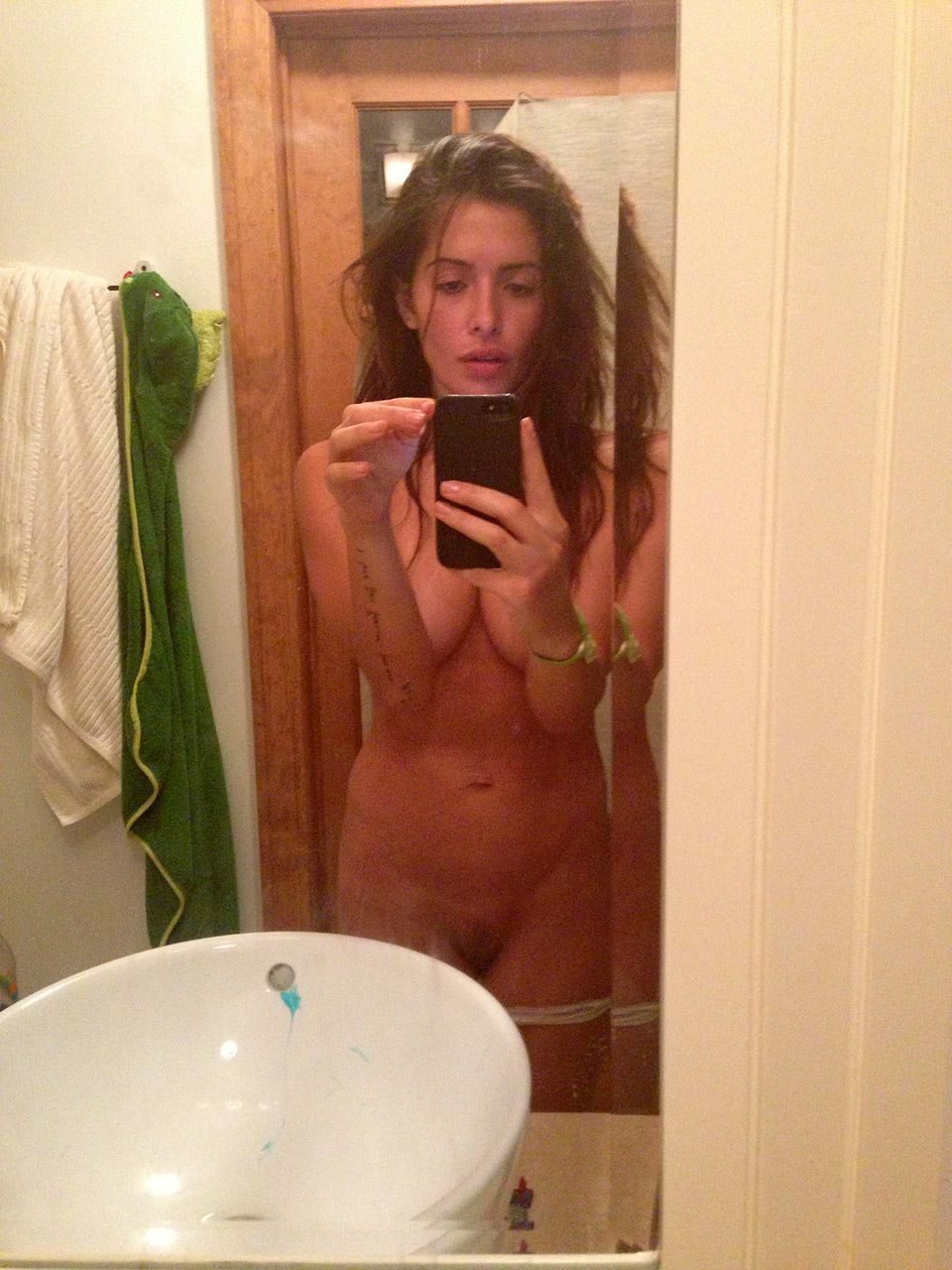 fake sarah shahi nude