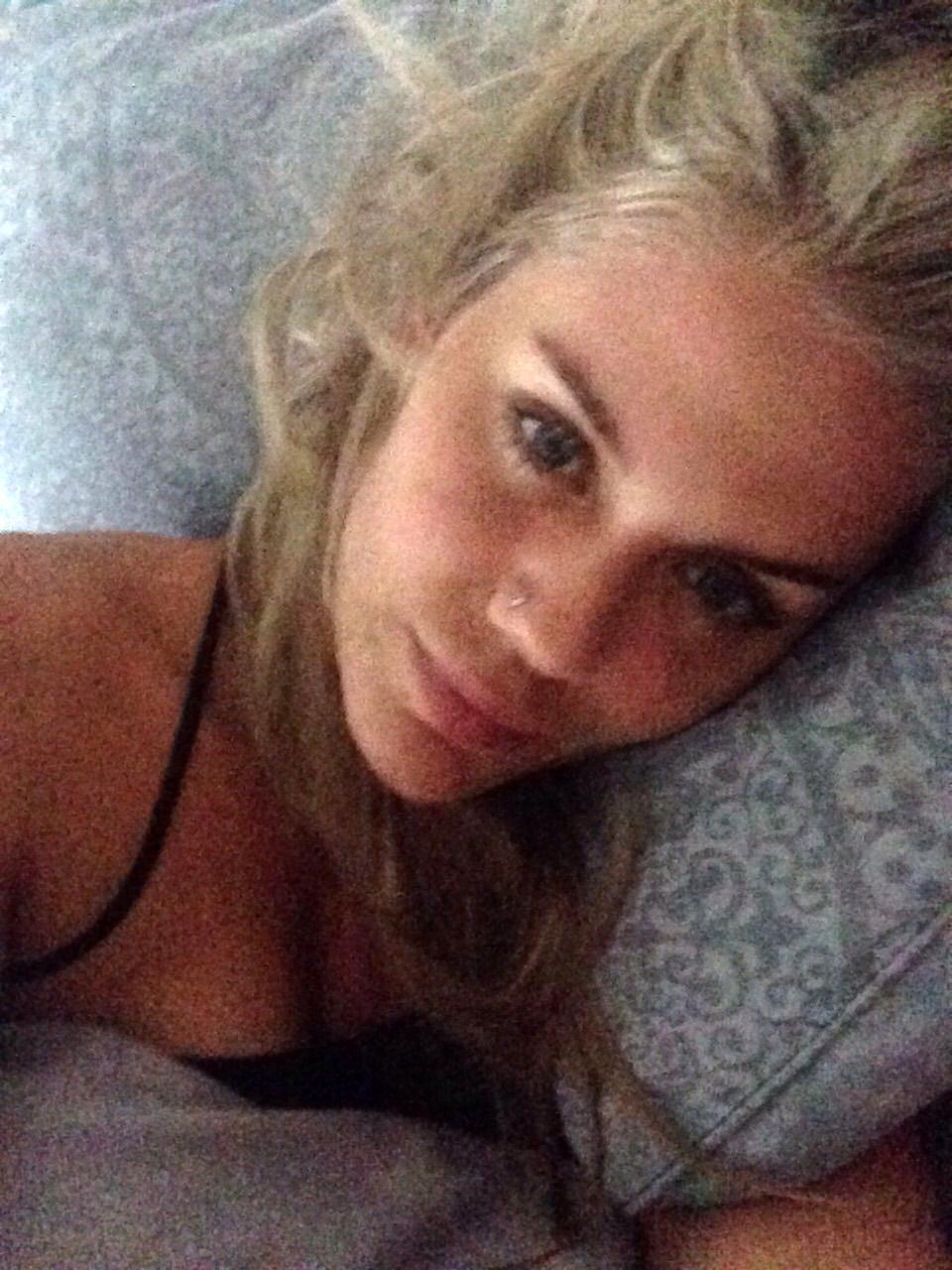 actress nude Australian