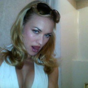 Yvonne Strahovski Nude Leaked Pics, Porn and Scenes 26