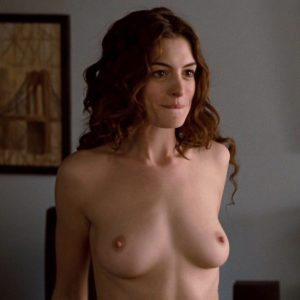 Anne Hathaway Nude Boobs And Butt In Love And Other Drugs Movie