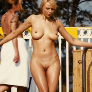 Irina Voronina Nude Boobs And Pussy In Piranha 3DD Movie