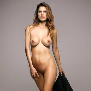 Lake Bell nude pussy and boobs