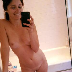Shiri Appleby Nude Leaked Mirror Selfie & Sexy Photos