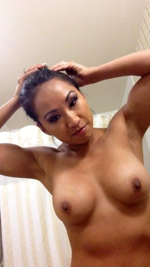 Gail Kim Nude LEAKED Pics With Robert Irvine & Cellphone Porn 5