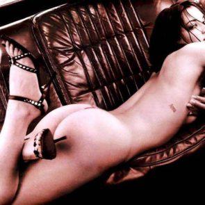 10-Asia-Argento-Nude