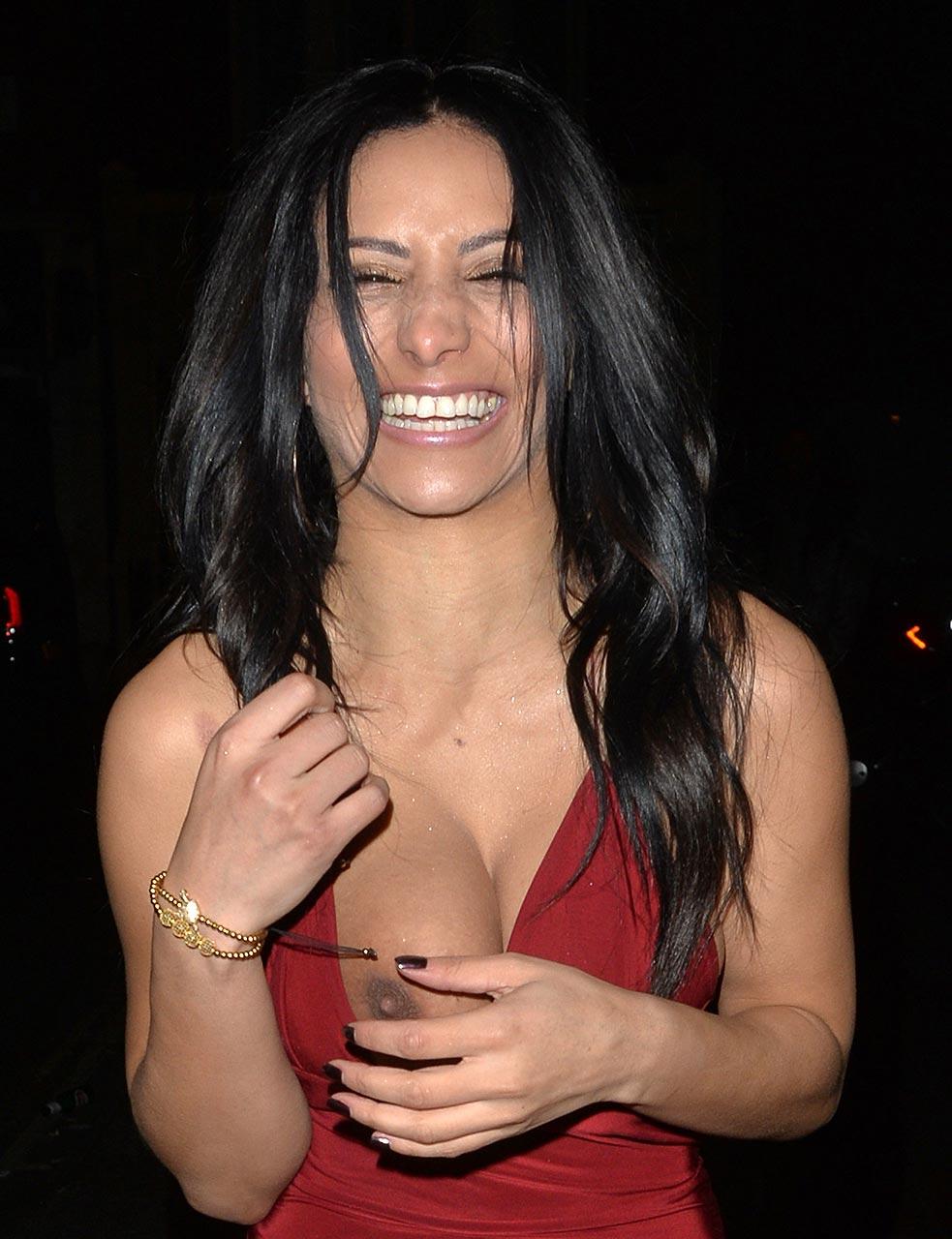 Nipple Slip – Kayleigh Morris – Celebrity Actress