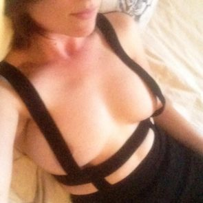 11-Allie-Goertz-Nude-Leaked