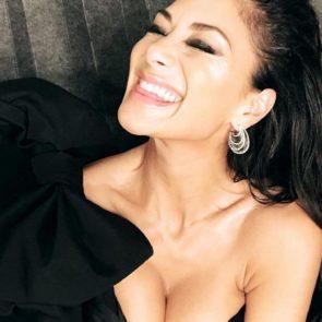 14-Nicole-Scherzinger-Sexy-Cleavage