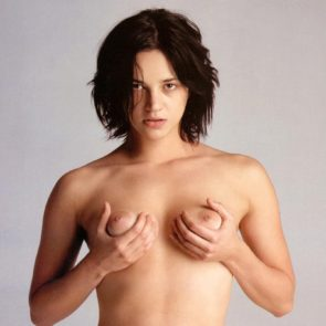 23-Asia-Argento-Nude