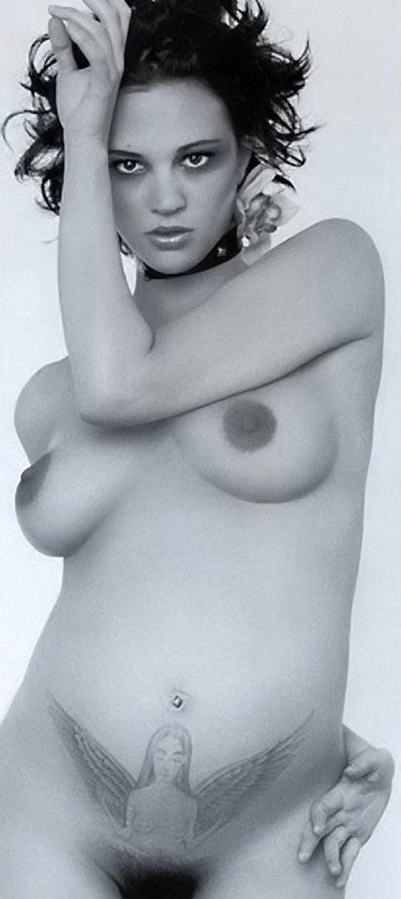 argentino nude Asia