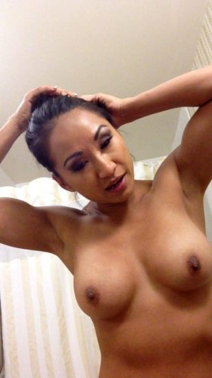 Gail Kim Nude LEAKED Pics With Robert Irvine & Cellphone Porn 17