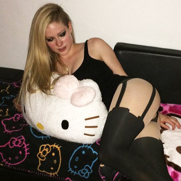 Tumblr avril lavigne fake nudes images 141