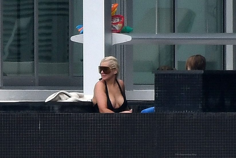 Christina Aguilera Nude LEAKED Pics & Topless Videos 76