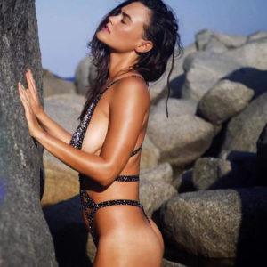 Myla Dalbesio Sexy Pics In Bikini — Sports Illustrated Swimsuit Issue 2018