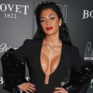 Nicole Scherzinger Shows Her Boobs In Deep Cleavage