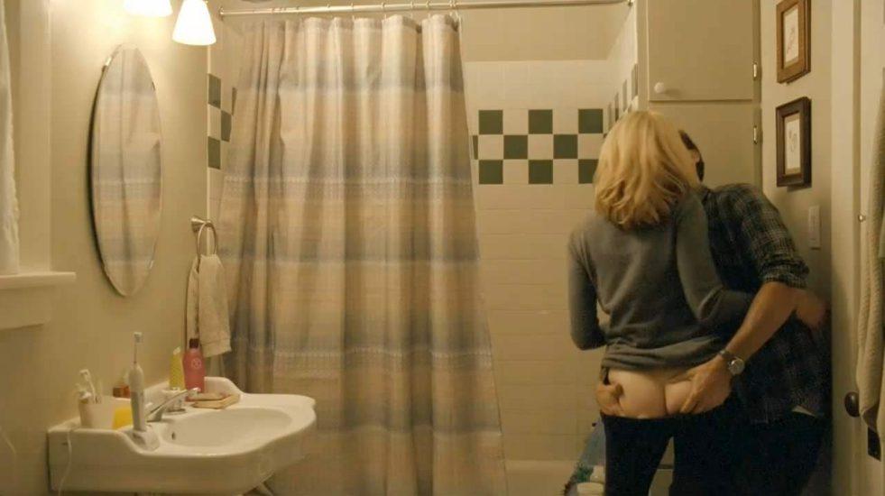 Elizabeth Banks Nude Pics & Topless Sex Scenes 3