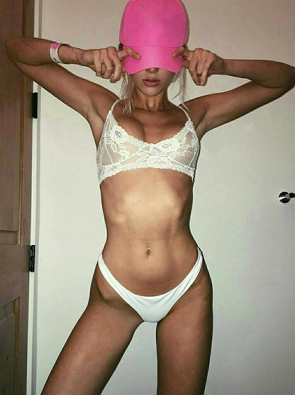 Hot ! Youtuber Alissa Violet Nude Leaked Private Selfies
