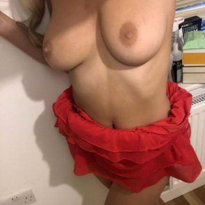 05-Danielle-Sellers-Topless