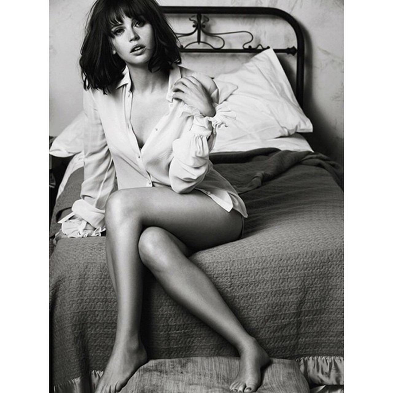 Felicity Jones Nude Private Selfies and Scandal PORN 9