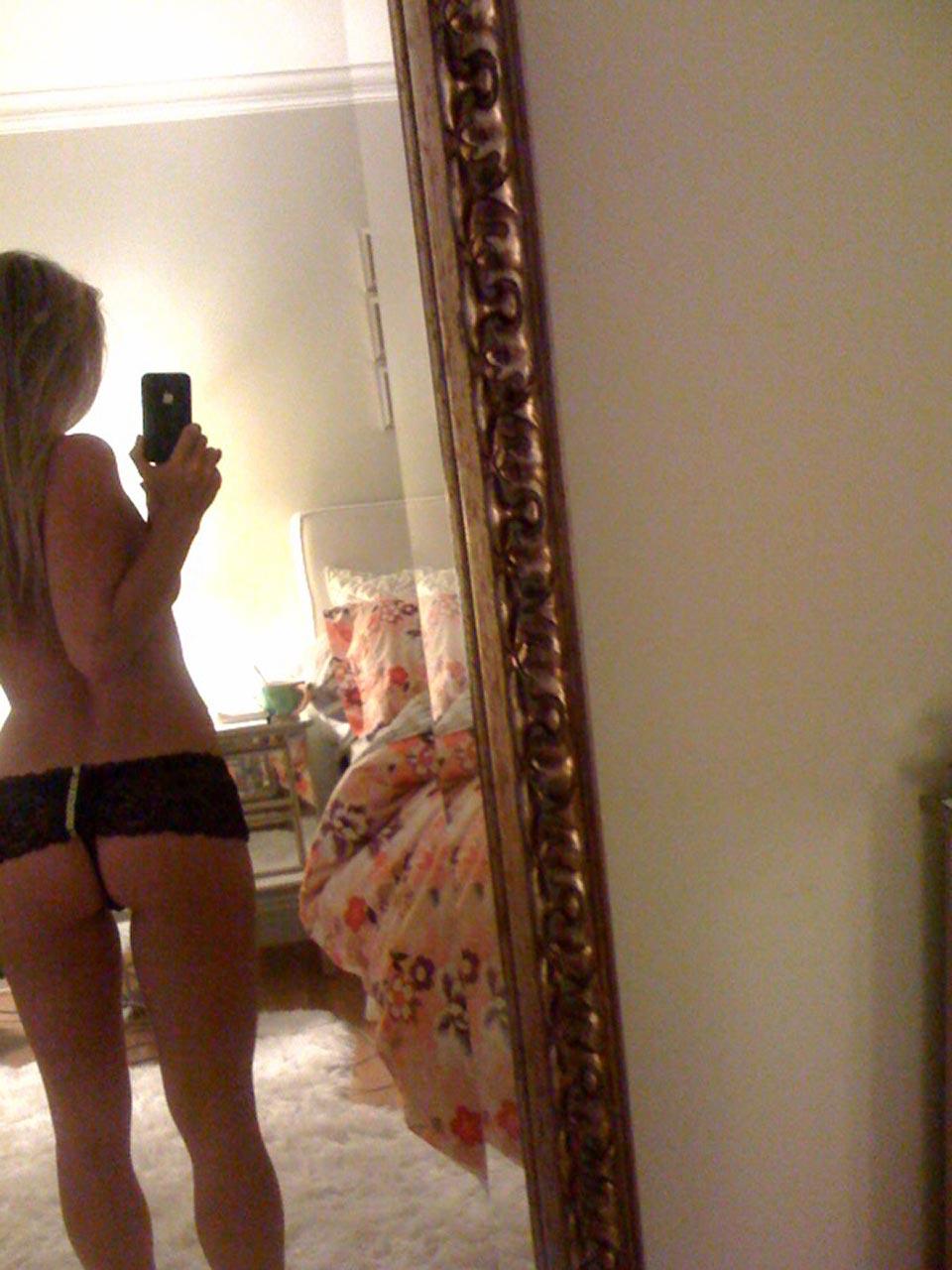 Glee Star Becca Tobin Nude Leaked Photos Uncensored Pics-8977
