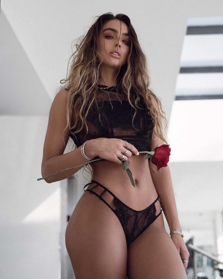 Sommer Ray Nude LEAKED Pics And Confirmed Sex Tape PORN Video 8