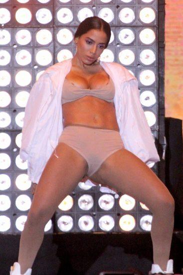 Anitta nude nipples