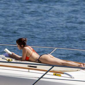 11-Selena-Gomez-Ass
