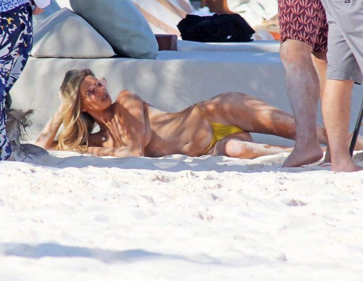Danielle Knudson topless