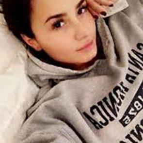 13-Demi-Lovato-Nip-Slip-Bed-Selfie