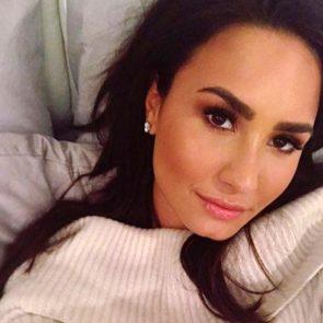 17-Demi-Lovato-Nip-Slip-Bed-Selfie