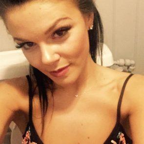 18-Faye-Brookes-Nude-Leaked