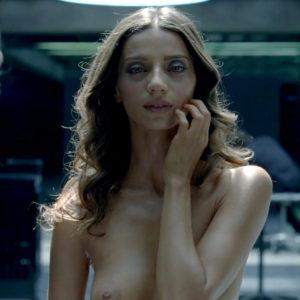 Angela Sarafyan And Shannon Woodward Nude Lesbo Scene In Westworld Series