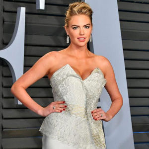 Kate Upton Shows Big Cleavage At 2018 Vanity Fair Oscar Party in Beverly Hills