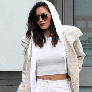 Olivia Munn Braless In Vancouver — Pokies Are Her Thing !