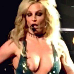 01-Britney-Spears-Nip-Slip