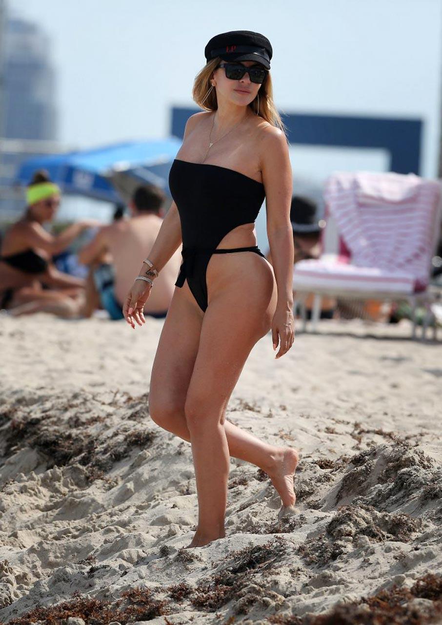 Kelly brook sexy 4,Jessica Buller Porn pic Sarah Gadon, Melanie Laurent Enemy - 2013 HD,Shakira barrera