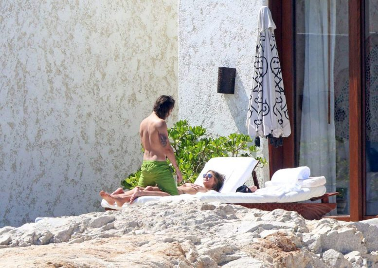 Heidi Klum Nude and Topless LEAKED Pictures 6