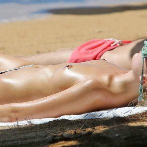 Margot Robbie tits
