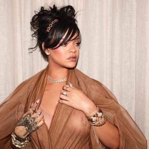 04-Rihanna-See-Through