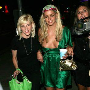 05-Britney-Spears-Nip-Slip