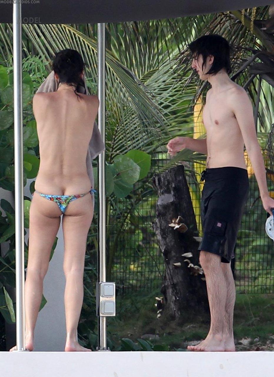 beach Paulina porizkova nude