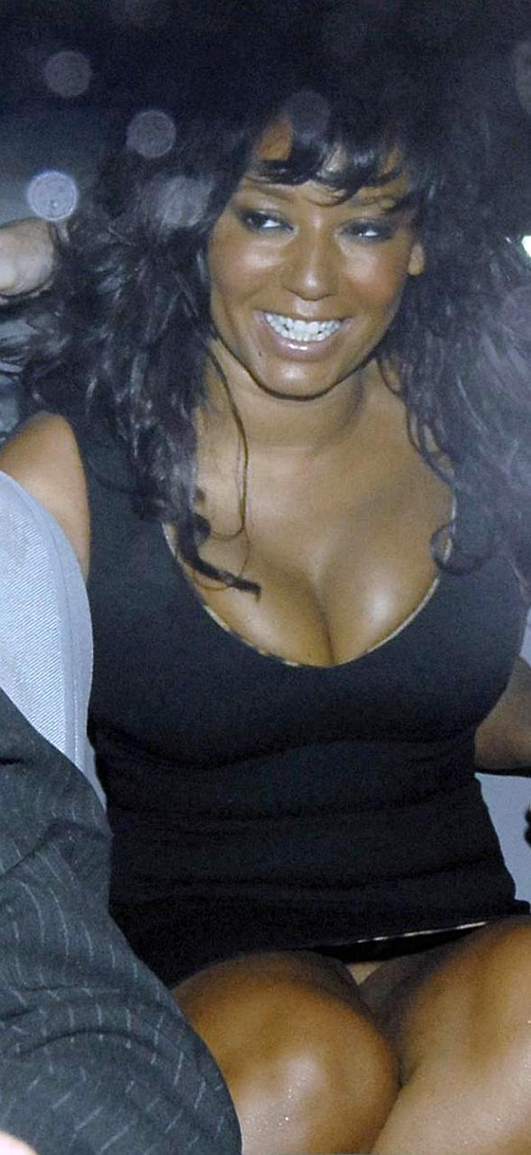 Brown spice upskirt melanie girl
