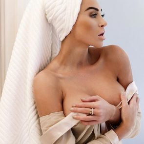 09-Khloe-Terae-Nude
