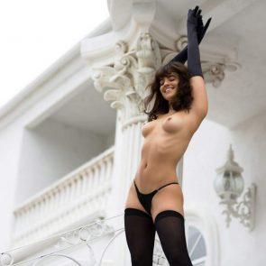09-Nina-Daniele-Nude