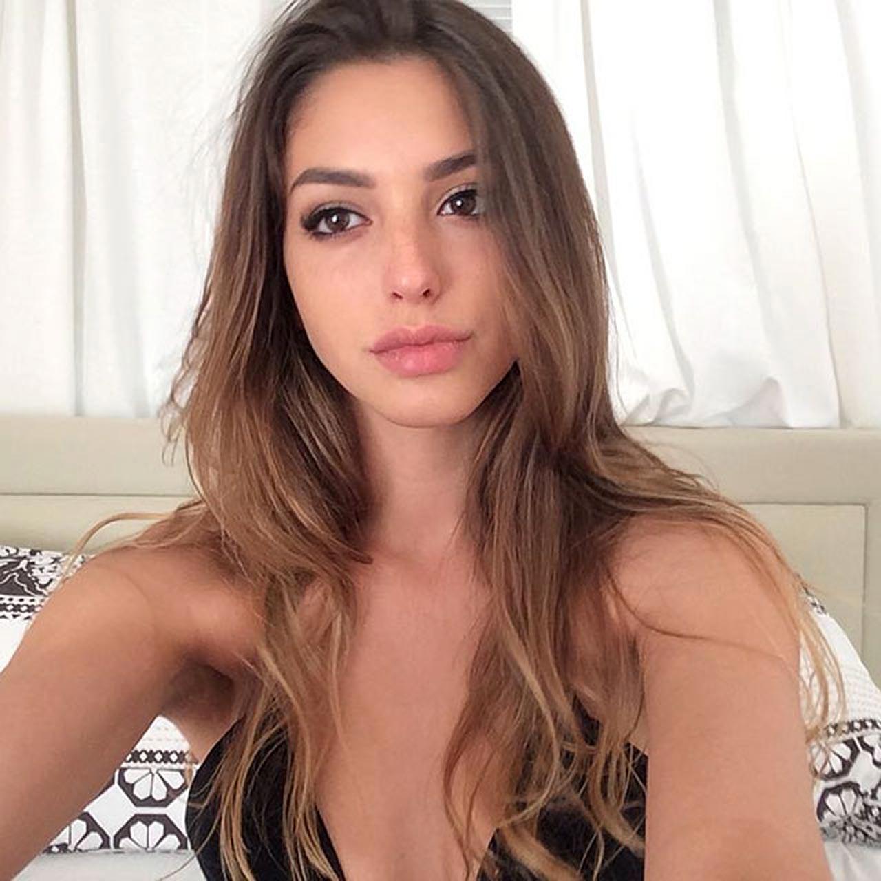 Nude colgate girl