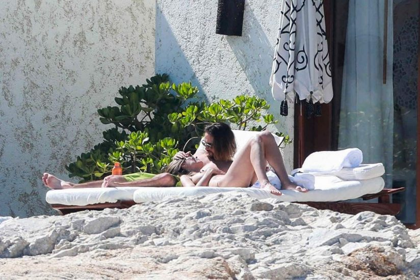 Heidi Klum Nude and Topless LEAKED Pictures 20