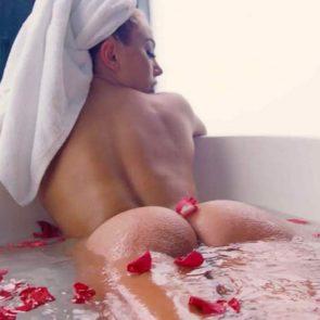 26-Khloe-Terae-Nude