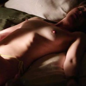 Dakota Johnsonnude in bed